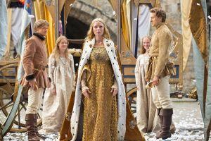 Elizabeth Woodville heiratet König Eward IV. und löst damit eine Kettenreaktion aus, an deren Ende ihre Tochter - ebenfalls Elizabeth - Heinrich Tudor heiratet und eine neue Dynastie begründet.