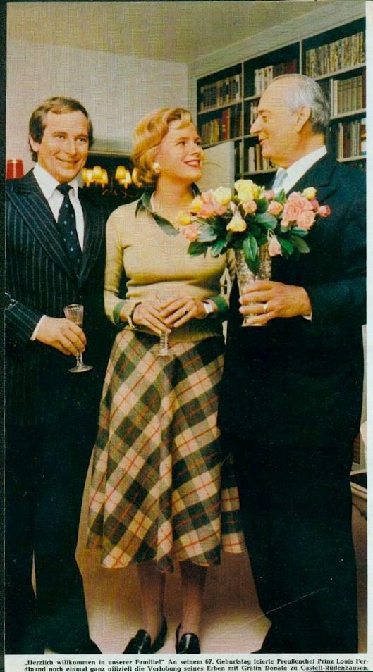 Anläßlich des 67. Geburtstags von Prinz Louis Ferdinand sr. wurde die Verlobung des Hauserben, Prinz Louis Ferdinand jr mit Gräfin Donata zu Castell-Rüdenhausen offiziell bekanntgegeben.