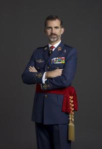 Im Dezember veröffentlichte das Königshaus die neuen offiziellen Portraitphotos des Königs als Oberbefehlshaber der spani-schen Streitkräfte.